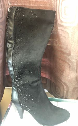 Brand new Italina tall bedazzle boots 7 for Sale in Plainfield, IL