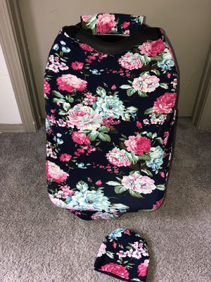Flower nursing and car seat canopy like new for Sale in Austin, TX