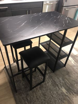Counter bar height kitchen table with 2 stools for Sale in Seattle, WA