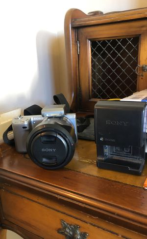 Sony NEX-5N - battery not charging for Sale in Los Angeles, CA