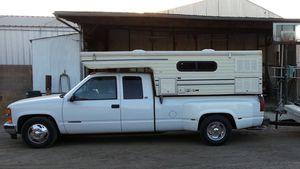 Camper Pop Up Cabover for Sale in Fresno, CA