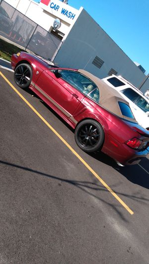 2004 ford mustang convertible for Sale in Burbank, IL