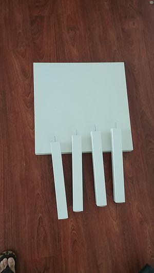 White short table 21×21 for Sale in Miami, FL