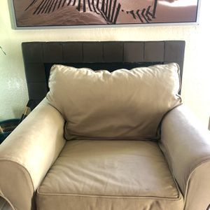 Comfortable Pottery Barn Chair for Sale in San Diego, CA