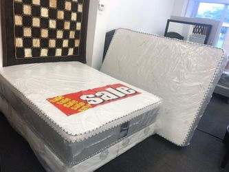 Queen pillow top mattress with boxspring for Sale in March Air Reserve Base,  CA