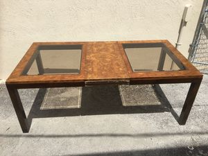 Dinning room Table with Leaf for Sale in Tamarac, FL