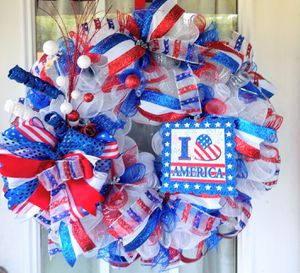 4th of July Wreath, Patriotic Wreath with led lights for Sale in Selma, NC