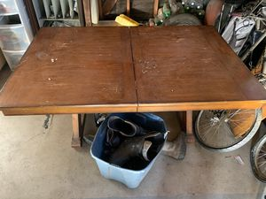 Dining room table 40$ firm!! for Sale in Hesperia, CA