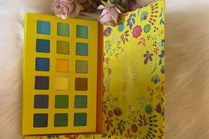 SHE MAKEUP PALLETS for Sale in Los Angeles, CA