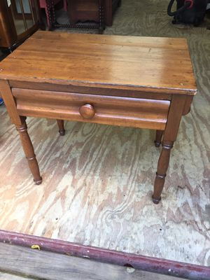 Early 1Drawer(Maple?)Stand,Handmade Dovetail,Very Sturdy,lots of Character for Sale in Waynesboro, VA