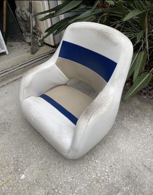 Captain Boat seat, Helm seat was $700 brand new for Sale in Palm Harbor, FL