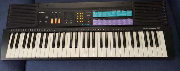 Casio MT540 Electronic Keyboard in Very Good