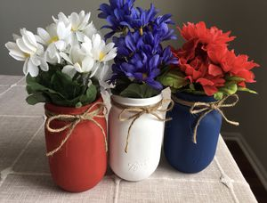 Chalk painted mason jars with silk flowers for Sale in Plainfield, IL