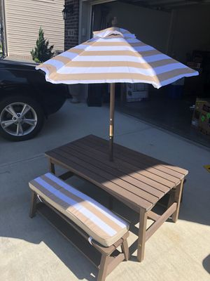 Outdoor kids table for Sale in Lexington, KY