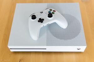 Xbox One S 1TB for Sale in Pekin, IL