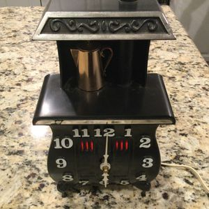 Vintage Spartus USA Wall Clock Mid Century Kitchen Stove Black Underwriter Lab for Sale in Puyallup, WA