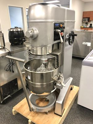 Commercial 70 quart heavy duty food mixer for Sale in Kent, WA