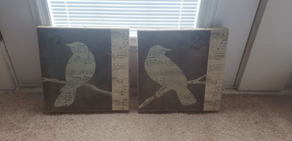Set of two bird pictures