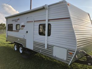 Thousand 13 Salem 21 foot camper The next line condition used twice only for the self-contained very nice condition no pets for Sale in Bridgeport, OH