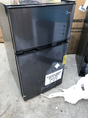 Mini fridges all sizes and models in description! for Sale in Woodland Hills, CA