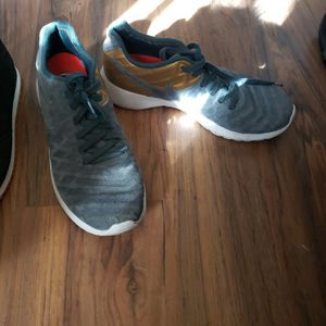 Size 7 Nike And Fila for Sale in Las Vegas, NV
