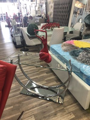 glass console table for Sale in Hialeah, FL