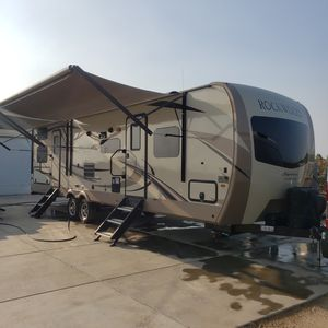2018 Rockwood signiture series 8311ws for Sale in Selma, CA