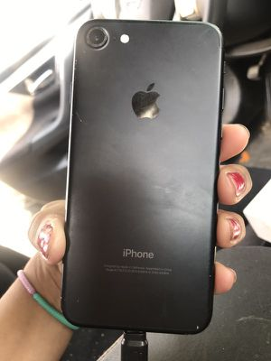 iPhone 7 jet black for Sale in Sanger, CA