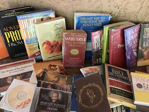 Books for free pick up today religion etc good condition for Sale in Riverbank, CA