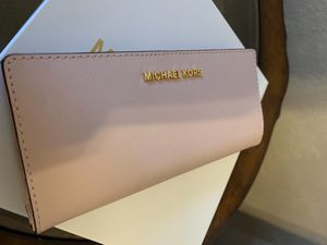 Michael Kors wallet brand new with tags on for Sale in Mesquite, TX