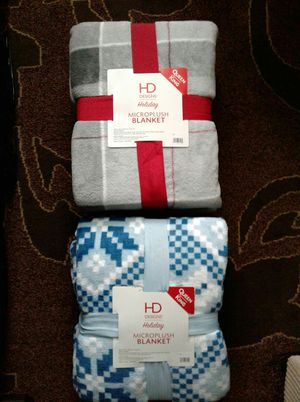 ($15 each) Queen/King size -Warm cozy microplush blankets. Great for gift giving! 🎁 for Sale in Everett, WA