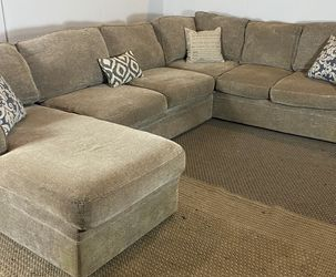 Rowe Furniture Sectional Couch FREE DELIVERY for Sale in West Chester,  PA