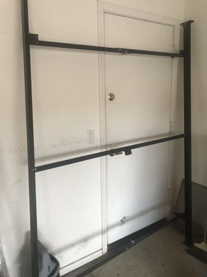 Free queen bed frame for Sale in Chandler, AZ
