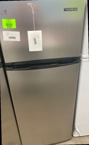 Thomson TFR725 mini fridge with freezer 🤯🤯🤯 47 for Sale in Plano, TX