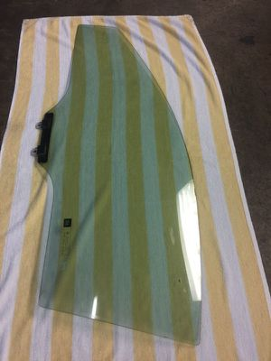 ACURA RSX DOOR WINDOW GLASS DRIVER SIDE. ACURA RSX PART. for Sale in Hialeah, FL