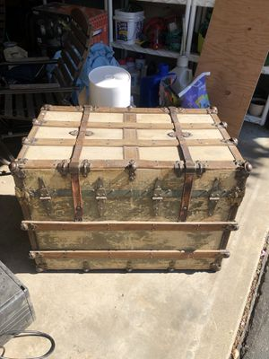 Antique chest. for Sale in East Wenatchee, WA