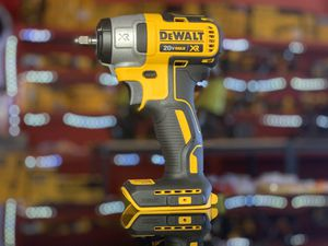 DEWALT 20v XR CORDLESS 3/8in IMPACT WRENCH TOOL ONLY for Sale in Turlock, CA
