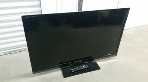 Sharp Aquos 55 inch lcd tv w/ remote for Sale in Glendora, CA