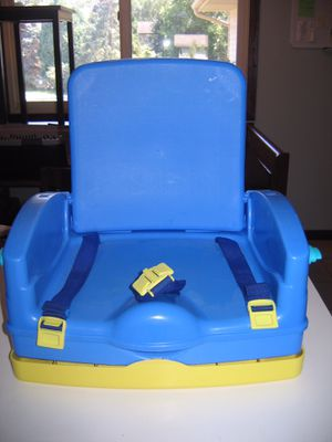 Safety 1st Booster Seat w/ Tray for Sale in New Brighton, MN