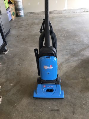 Hoover vacuum clearer with attachment on board for Sale in Fairview Heights, IL