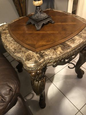 Gorgeous! 4 Peice Pulaski coffee table set! for Sale in Orlando, FL