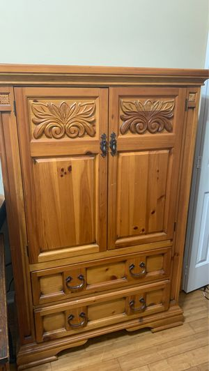 Dresser hutch with shelving & Drawers for Sale in Apopka, FL