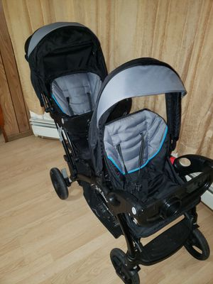 Baby trend sit and go stroller for Sale in Woodbridge Township, NJ