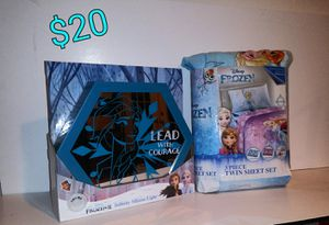 Frozen twin sheet set and led mirror for Sale in Fayetteville, AR