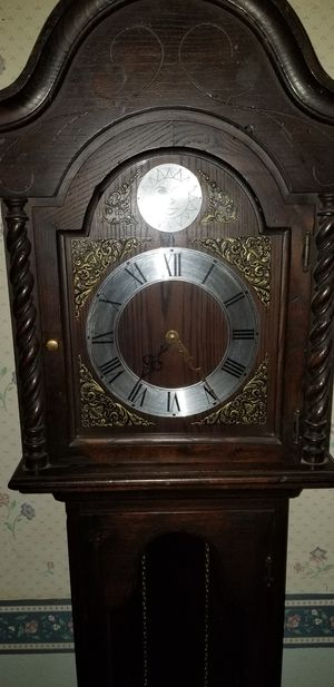 Antique clock 400 0 best offer.. for Sale in Thousand Oaks, CA