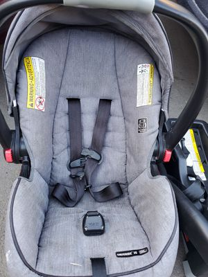 Graco car seat for Sale in Paramount, CA