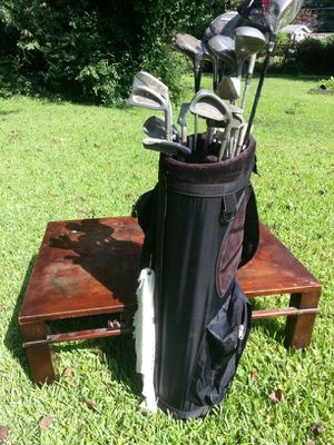 Full set of golf clubs. Coffe table for Sale in Atlanta, GA