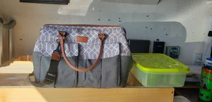 Insulated cooler bag with plastic food storage containers for Sale in Menifee, CA