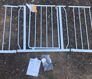 """Gate, Easy open extra wide 29"""" to 50"""" wide 31"""" high with instruction book and box for Sale in Albuquerque, NM"""