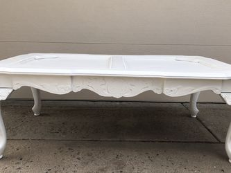 Antique Coffee Table for Sale in Aurora,  CO